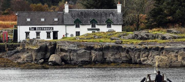 Cinq habitants rachètent leur petite île en Ecosse