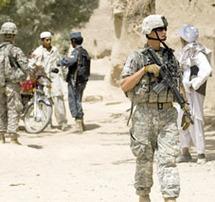 """A Kaboul, l'""""afghanisation"""" de la sécurité fixée à 2014"""