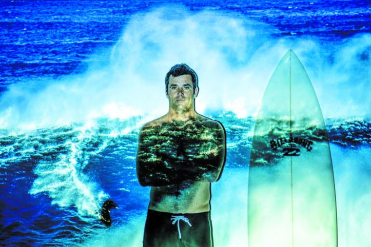 Le surfeur Benjamin Sanchis et son monde plus grand que nature
