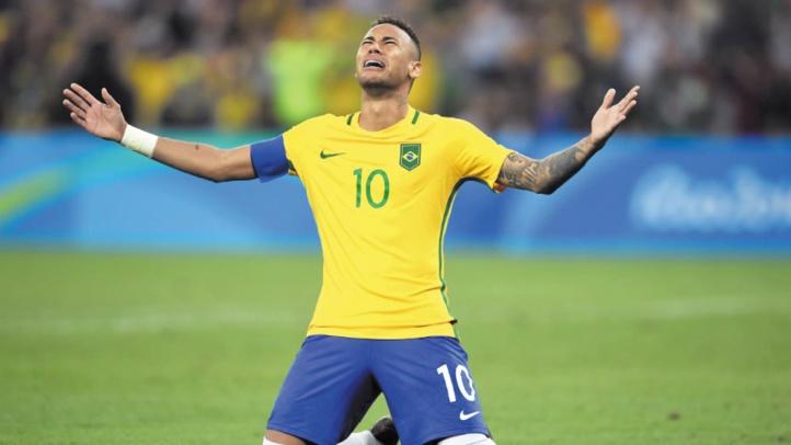 Sur les traces de Neymar : L'enfant qui escaladait les tribunes