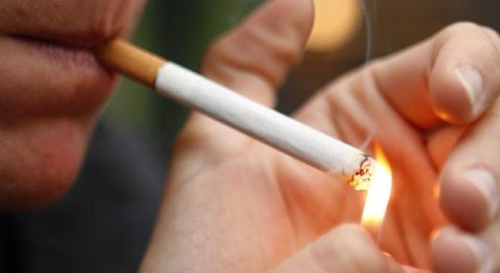 Les fumeurs invétérés animés de bonnes intentions