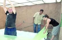 Ouarzazate : De jeunes français entre l'utile et l'agréable à Zaouit Sidi Ahmed
