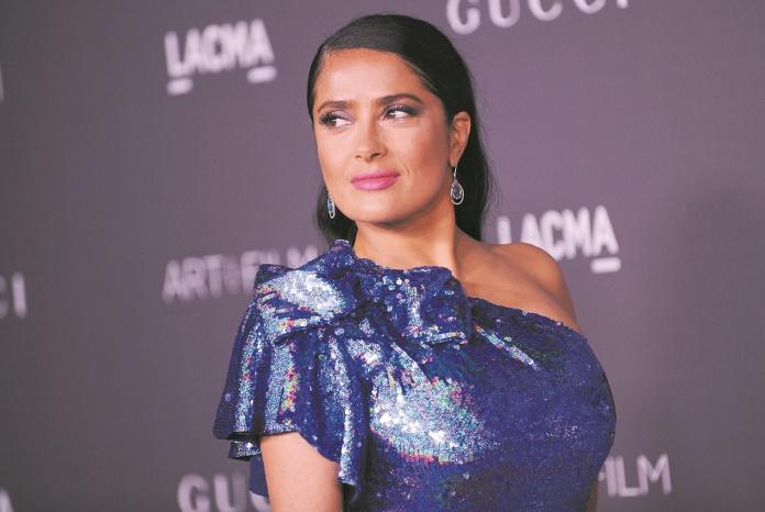 """Salma Hayek n'a rien dit des abus de Weinstein pour """"protéger"""" Antonio Banderas"""