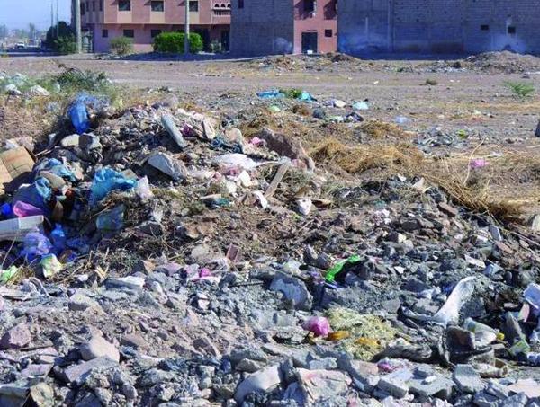 Montagnes d'ordures et indifférence des responsables : Sale temps pour les habitants d'Al Massira à Marrakech