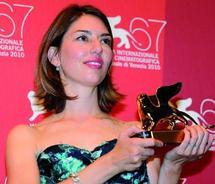 La réalisatrice américaine remporte le Lion d'or du 67ème Mostra de Venise :  Le triomphe de Sofia Coppola