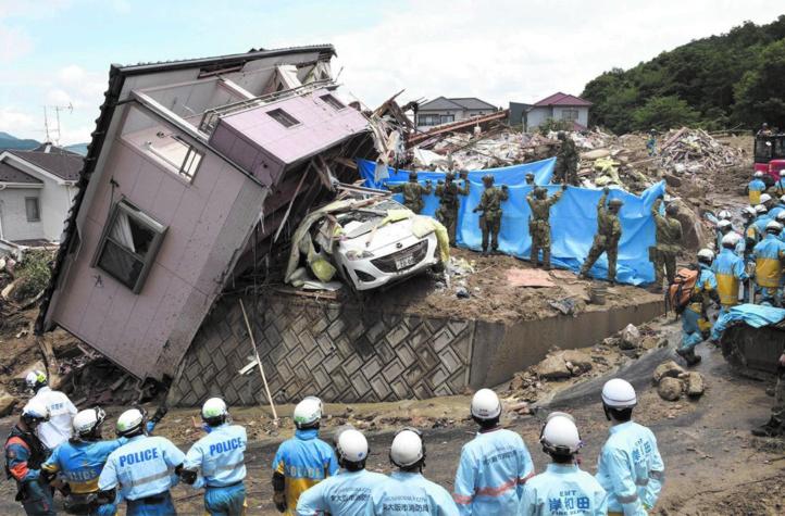 Au moins 155 morts dans   des intempéries au Japon