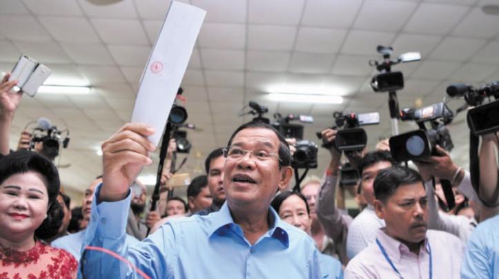 """Législatives au Cambodge : Le parti d'Hun Sen revendique """"l'ensemble des sièges"""""""