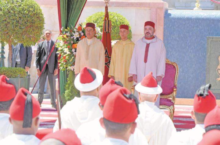 S.M le Roi préside à Tanger une réception à l'occasion de la Fête du Trône
