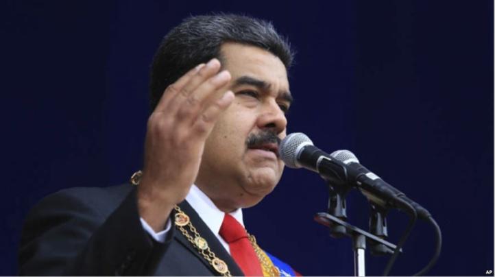 """Maduro, un président controversé qui entend poursuivre la """"révolution"""""""