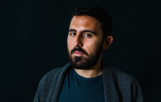 L'écrivain anglo-égyptien Omar Robert Hamilton, lauréat du Prix de la littérature arabe 2018