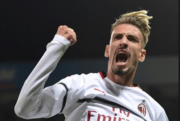 Calcio : L'AC Milan s'éveille, la Fiorentina s'annonce
