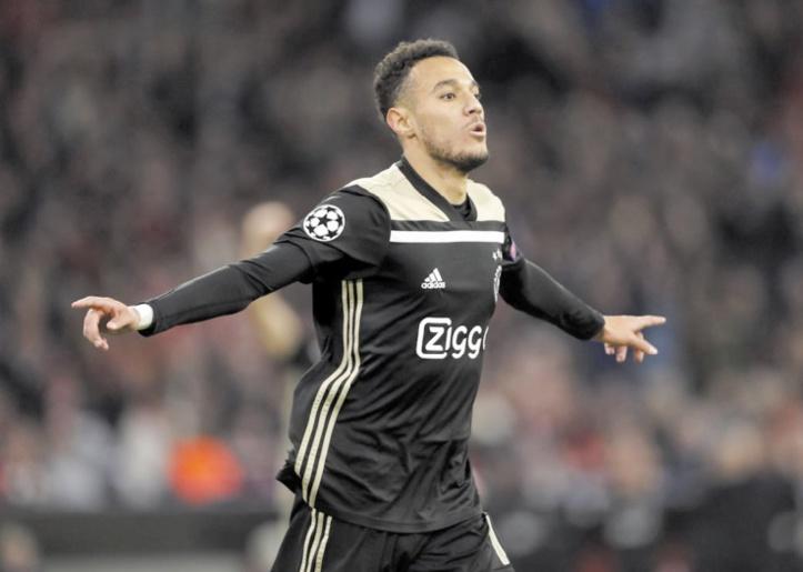 Mazraoui auteur du but de l'Ajax.