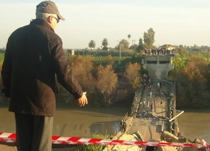 Effondrement d'un pont à Machraâ Belksiri