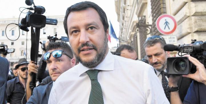 Salvini menace de fermer  les aéroports italiens aux migrants venant d'Allemagne