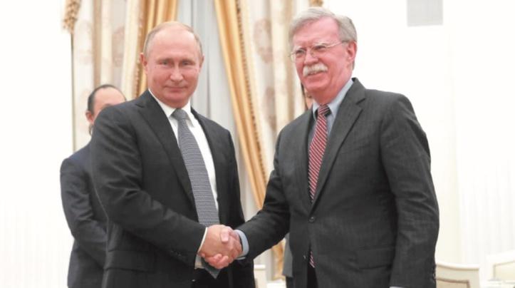 A Moscou, Bolton défend le retrait américain d'un traité nucléaire