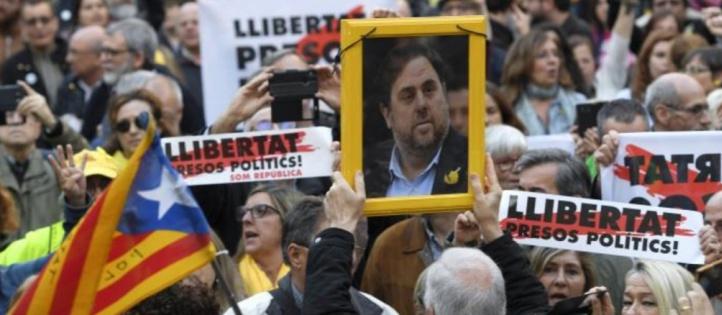 Des dirigeants catalans renvoyés devant la justice pour tentative de sécession