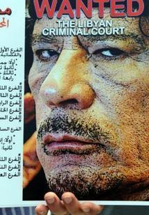 Pratiquant la politique de la terre brûlée : Mouammar Kadhafi met la Libye à feu et à sang