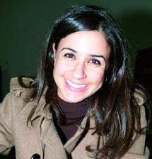 """Entretien avec l'actrice Samia Akarriou : """"Je suis restée attachée au théâtre"""""""