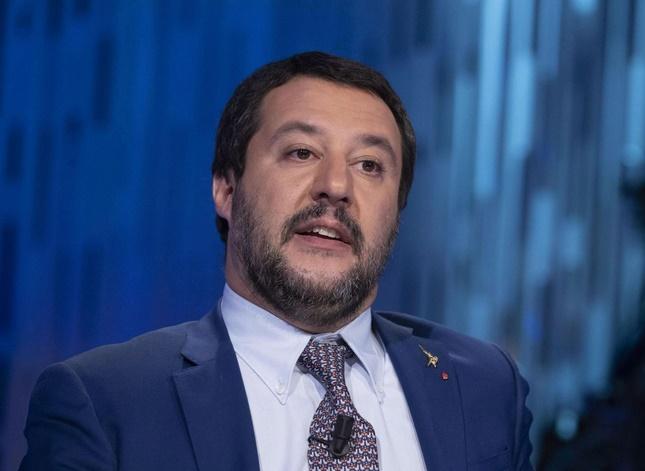 L'Italie adopte la loi anti-migrants de Salvini