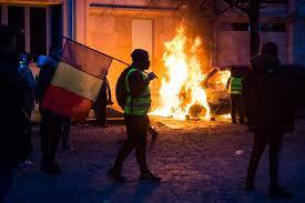 Une journée de chaos à Paris, théâtre d'un déferlement de violence