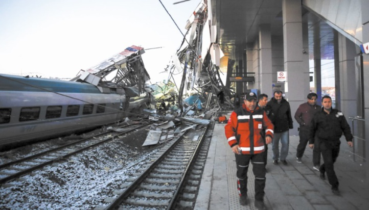 9 morts dans un accident de train à Ankara