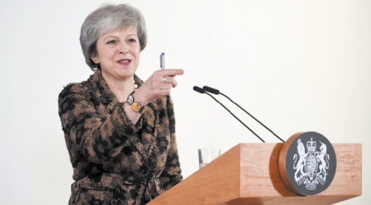 Theresa May fustige Tony Blair pour ses appels à un second référendum