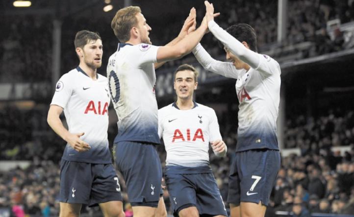 Tottenham déroule et se rapproche de Manchester City