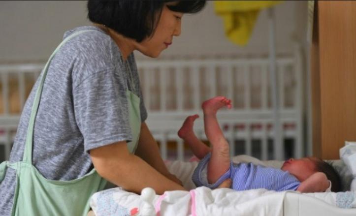 Séoul veut des bébés mais les femmes moins