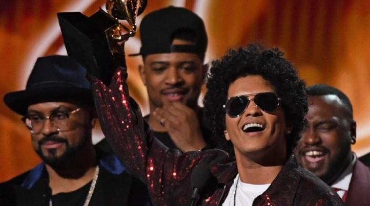 Bruno Mars, roi des Grammy Awards
