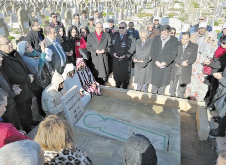 Visite de recueillement sur la tombe de Abderrahim Bouabid