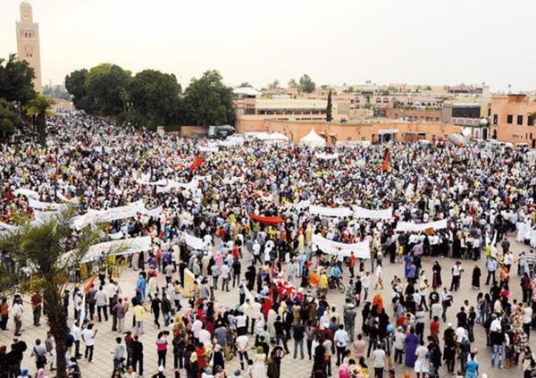 Sit-in à Casablanca et Marrakech à la mémoire des victimes des attentats : Des milliers de manifestants dénoncent la barbarie terroriste