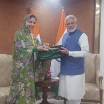 Rkia Derham reçue en audience par le Premier ministre indien