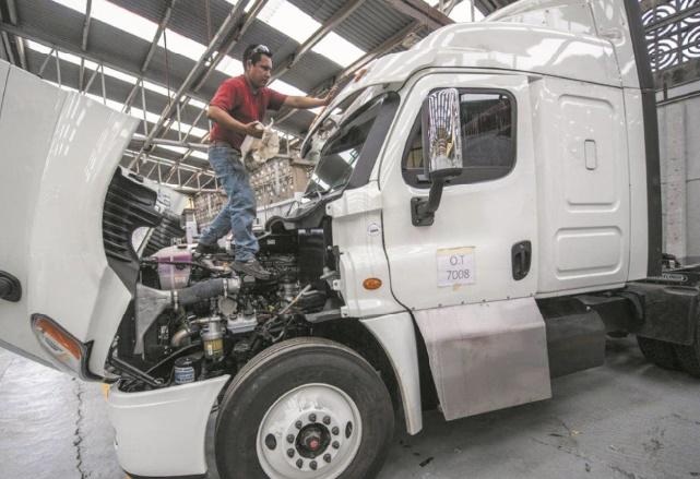 Au Mexique, des camions blindés pour lutter contre les attaques sur l'autoroute