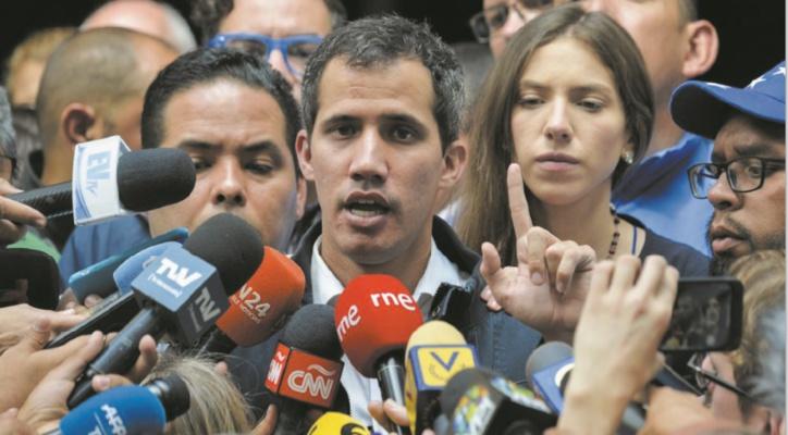 Juan Guaido appelle à manifester pour faire basculer l'armée