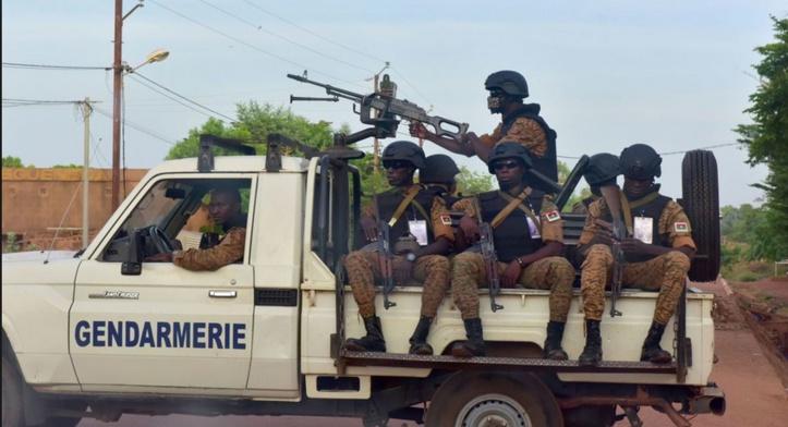"Dix morts dans une ""attaque terroriste"" au  Burkina"