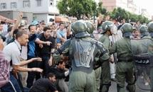 """Les forces anti-émeutes entrent en action : Les manifestants du """"20 février"""" dispersés sans ménagement"""