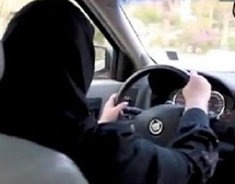 Les femmes saoudiennes réclament le droit de... conduire