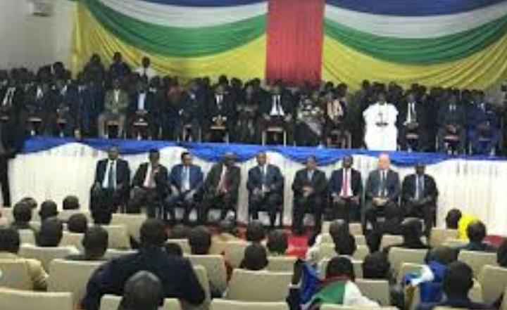 Un accord de paix signé entre le gouvernement et les groupes armés à Bangui