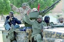 Au moment où des villages sont contrôlés par les rebelles libyens : Fuite d'officiers supérieurs vers la Tunisie