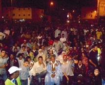 Laâyoune : Le projet de révision de la Constitution continue de mobiliser les foules