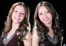 Safa et Hana, des jumelles de choc