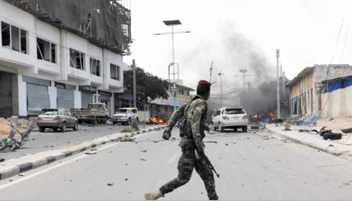 Un attentat suicide fait au moins 10 morts à Mogadiscio