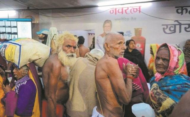 En Inde, les pèlerins égarés du Kumbh Mela