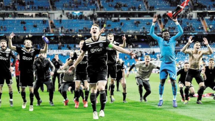 L'Ajax gagne sur le terrain et en bourse