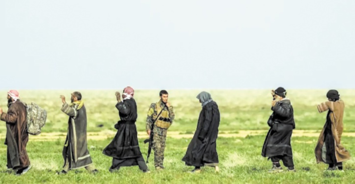Des milliers de survivants fuient   le dernier réduit de Daesh en Syrie