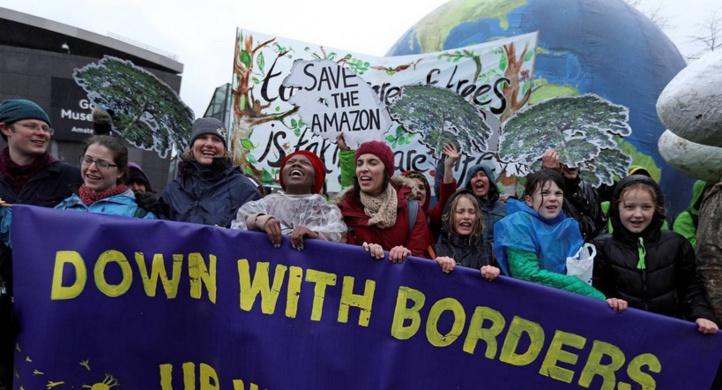 88d552a3472 La jeunesse mondiale dans la rue vendredi pour le climat