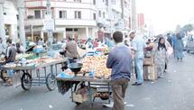Les marchands ambulants envahissent le domaine public