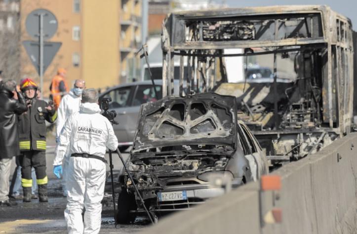 Un carnage évité de justesse pour 51 collégiens pris en otage dans un bus à Milan