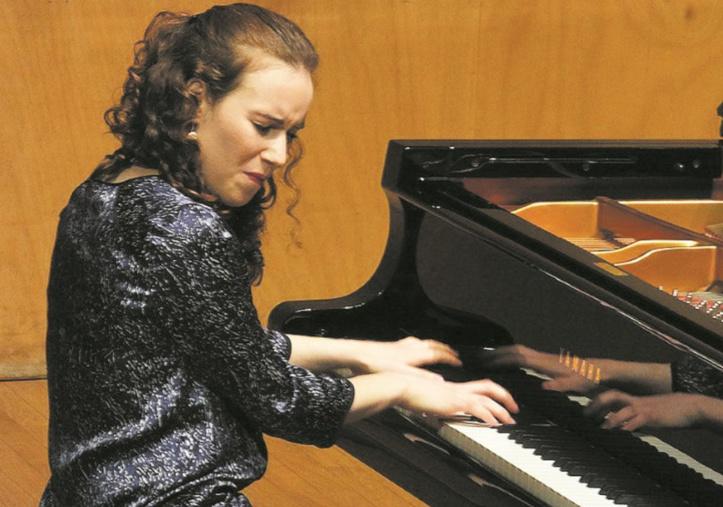 La pianiste marocaine Dina Bensaid enchante les mélomanes serbes