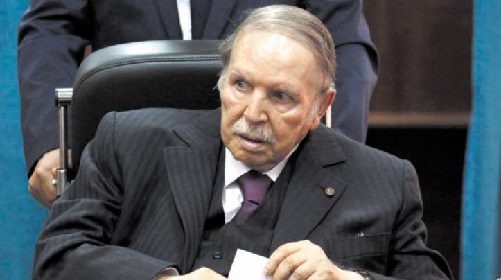 """Portrait : Bouteflika, l'homme """"de paix"""" accusé de s'accrocher au pouvoir"""